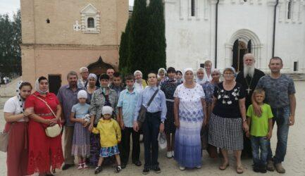 В воскресенье 18 июля прихожане Вознесенского собора посетили Старицкий Свято-Успенский монастырь и поклонились мощам св.блгв.кн.Александра Невского