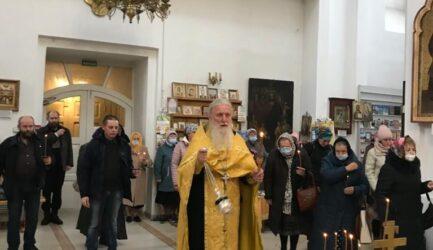 В воскресный день в Вознесенском соборе